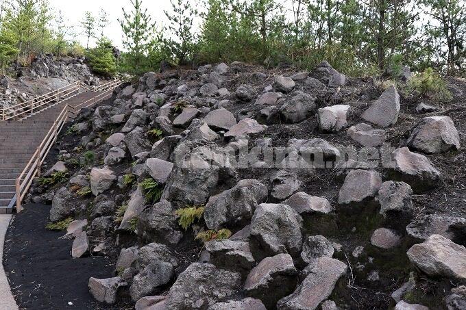 溶岩もいっぱい、有村溶岩展望所