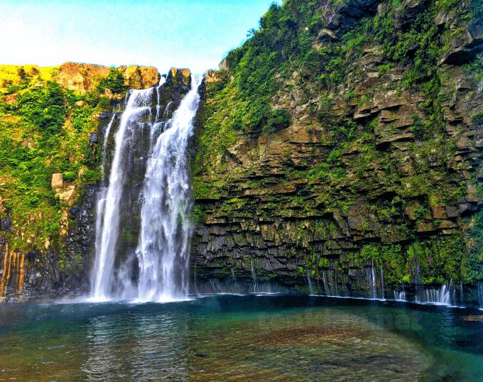 西郷どんのオープニングの滝は、雄川の滝