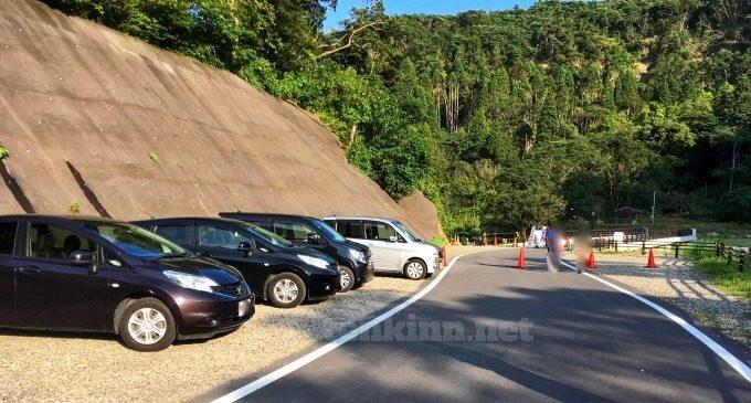 雄川の滝の駐車場は?