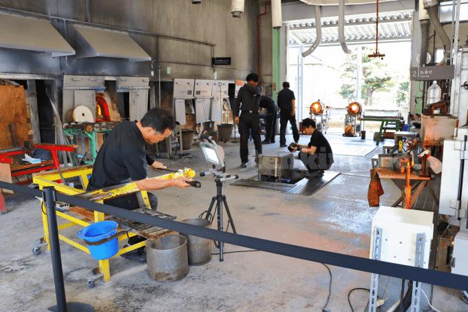 仙巌園では、薩摩切子近くで作っているところを見れます