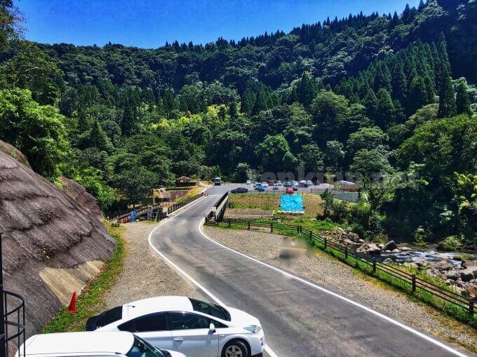 雄川の滝の駐車場の全貌!