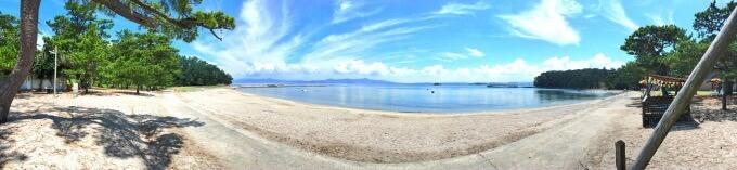 阿久根大島の海水浴場を一望