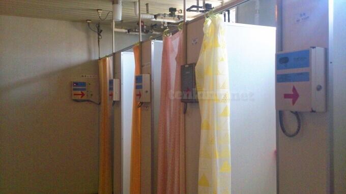 阿久根大島のシャワー室