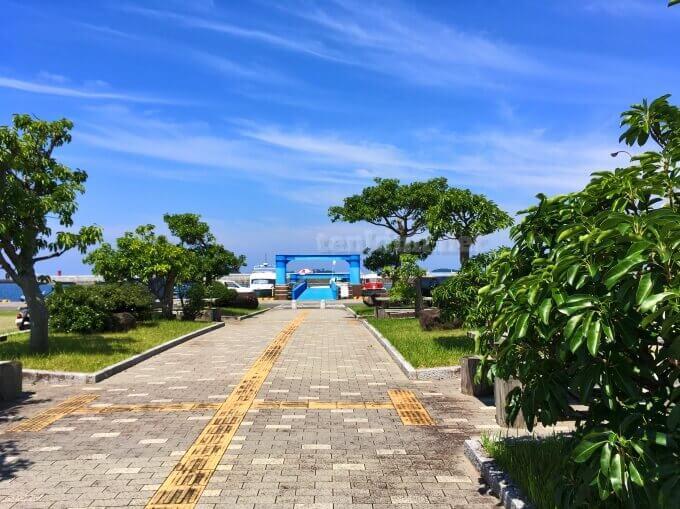 阿久根大島渡船場は、楽園のように綺麗
