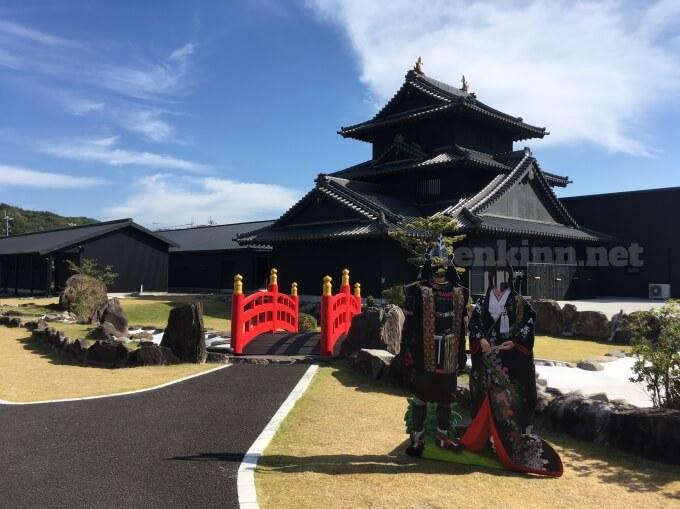 薩摩川内市の甲冑工房丸武は、甲冑を着て写真がとれて、戦国時代にタイムスリップできる