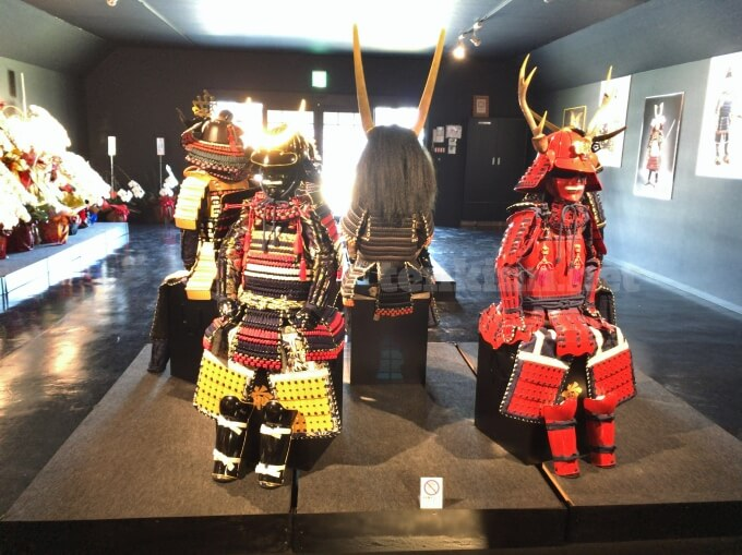 薩摩川内市の甲冑工房丸武では、子ども用の甲冑もあるよ!