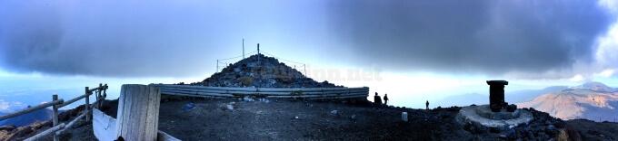 44高千穂峰の頂上の全貌