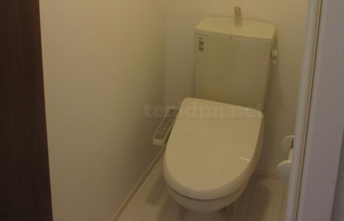 大和ハウスリビング賃貸のトイレは一回り小さい