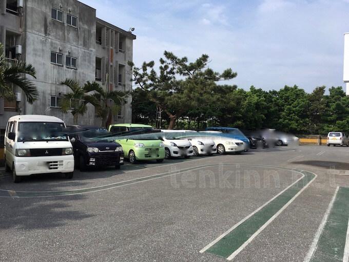 宮古島で免許の更新、車で行っても良い?駐車場はある?