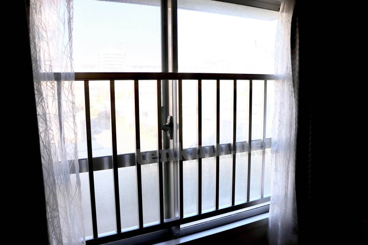 ビレッジハウスは汚いというか古い!窓は昔風