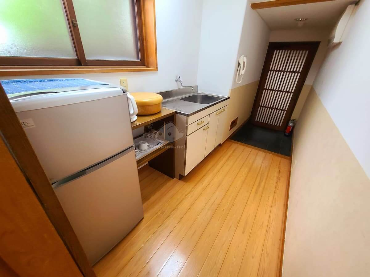 由布院玉の湯の部屋柚子キッチン給湯室