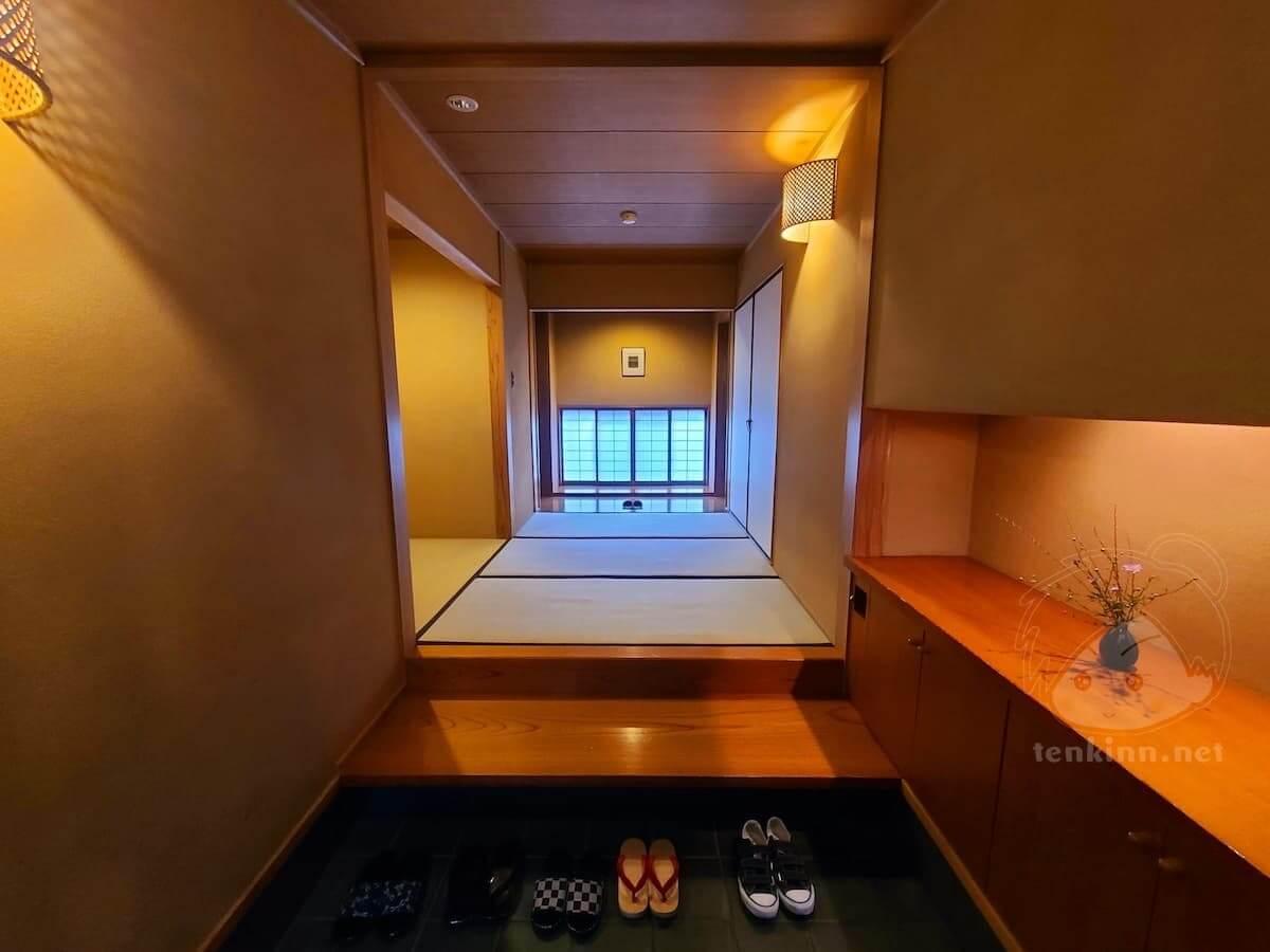 由布院玉の湯の部屋柚子玄関は畳